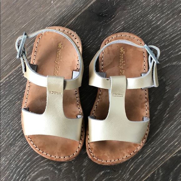 f05546333 Freshly Picked Other - Freshly picked Malibu sandal Gold/platinum size 5